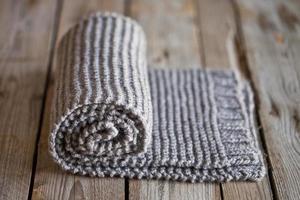 écharpe beige tricotée à la main photo
