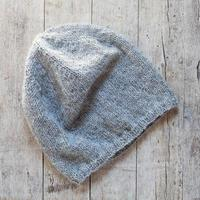 bonnet en laine tricoté gris photo