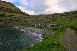le village isolé de tjornuvik sur les îles Féroé photo