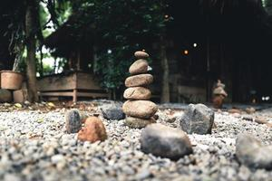 traitement alternatif naturel d'empilement de roches photo
