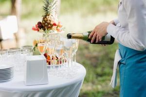 verres de mariage pour le vin et le champagne photo