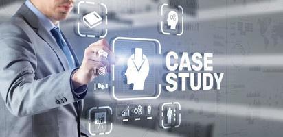 concept d'éducation d'étude de cas. analyse de la situation pour trouver une solution photo