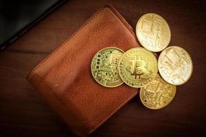 Bitcoin de crypto-monnaie. monnaie numérique pour les paiements bancaires et les réseaux internationaux. portefeuille avec concept blockchain. photo