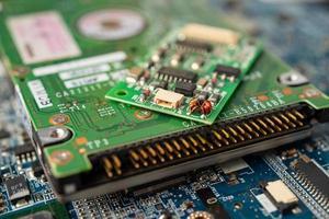 Déchets électroniques, circuit informatique, processeur de la carte mère de la puce cpu, dispositif électronique, concept de données, de matériel, de technicien et de technologie. photo