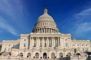 le Capitole des États-Unis d'Amérique par une journée ensoleillée. Washington DC, États-Unis. photo