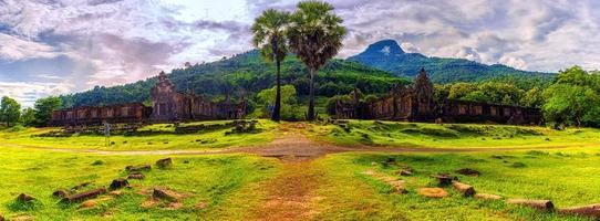 vat phou ou wat phu dans la province de champasak, sud du laos photo
