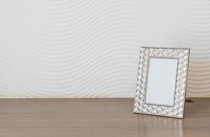 décoration de cadre photo vide sur mur blanc avec espace de copie