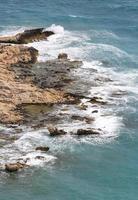 mer méditerranée et falaises de la côte ligure photo