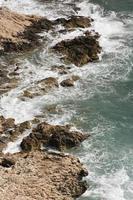 mer et falaises de la côte ligure photo