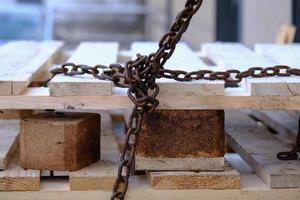 vieille chaîne en fer rouillé et patiné photo