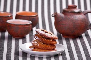 tas de délicieux biscuits aux noix photo
