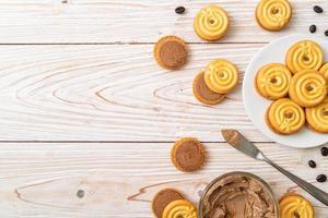 biscuits sandwich à la crème de café photo