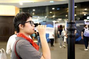 boire en public photo