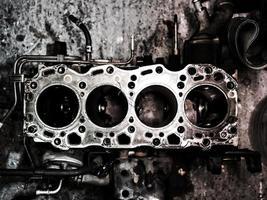 Gros plan sur le moteur à combustion interne diesel photo
