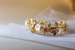 décoration de cheveux couronne mariage photo