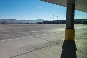 scènes autour de l'aéroport de reno nevada en novembre photo