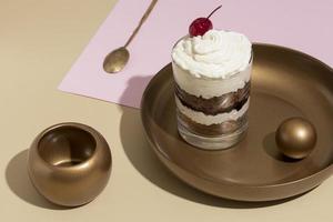 la savoureuse composition de verre à gâteau photo