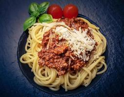 spaghetti bolognaise à la sauce tomate photo