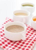 bol de soupe aux champignons photo