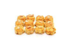 biscuits au durian sur fond blanc photo