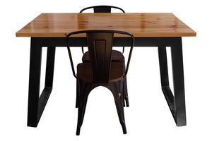 table en bois moderne avec pieds en acier et chaise isolée photo