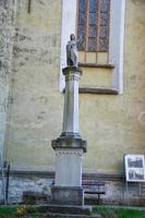 Statue de l'évêque George Paul Binder, église fortifiée de Biertan, Roumanie. photo