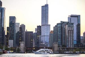 Chicago, il, usa, 2017 - le centre-ville de chicago au crépuscule photo