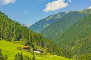 magnifique paysage de montagne en carinthie, autriche photo