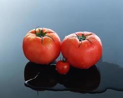 tomates rouges fraîches photo