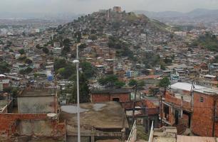 Complexe de bidonvilles allemand complexo do alemao à rio de janeiro, brésil photo