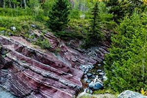 canyon de roche rouge. Parc national des lacs-Waterton, Alberta, Canada photo