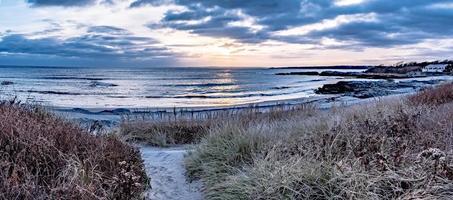 coucher de soleil à newport rhode island au phare de Castle Hill photo