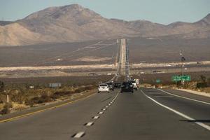 route d'autoroute menant à las vegas photo