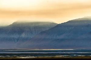 Owens surréaliste lac au coucher du soleil en Californie usa photo