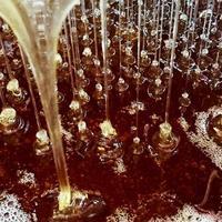 texture de fond, gouttes de miel sucré photo