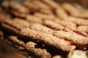 pain frit au sésame, produits de boulangerie, pâtisserie et boulangerie photo