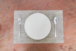 cuillère et fourchette à plat vide photo