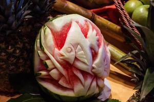sculpture de fruits parfaite photo