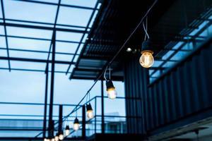 beau décor de lampe lumineuse incandescent photo