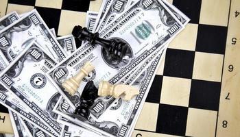 argent cash business finance et échecs photo