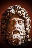 statue de visage en marbre de la Grèce antique photo