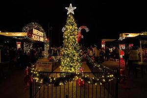 Comté d'Orange, CA, 2018 - arbre de Noël du centre commercial du comté d'Orange photo