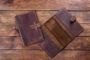 bel étui en cuir marron en cuir conçu pour un ordinateur portable photo