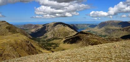 haut montant et haut rocher déversant les deux vallées photo
