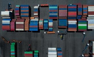 terminaux à conteneurs, vue aérienne du conteneur photo