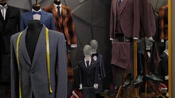 vestes pour hommes sur mannequins photo