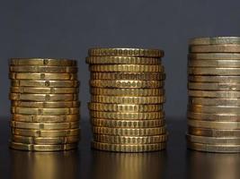 pile de pièces en euros, fond de l'union européenne photo