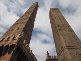 Due Torri deux tours à Bologne photo