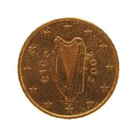 Pièce de 50 cents, union européenne, irlande isolée sur blanc photo