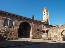 Basilique San Zeno à Vérone photo